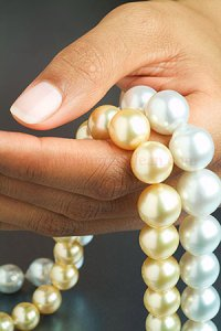 Cultured Pearl Strands Image