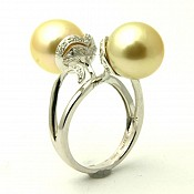 Twin Heart <br/> 18K Golden South Sea Pearl Ring