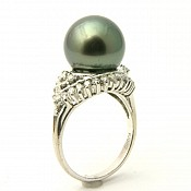 Madison <br/> 18K Tahitian Black Pearl Ring