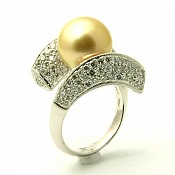 Abigail <br/> 18K Golden South Sea Pearl Ring