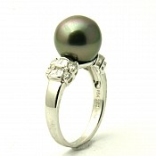 Raine <br/> 18K Tahitian Black Pearl Ring