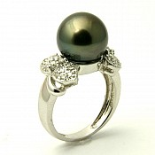 Grace <br/> 18K Tahitian Black Pearl Ring