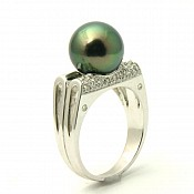 1131 - 18K Tahitian Black Pearl Ring