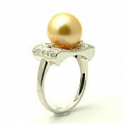 Gianna <br/> 18K Golden South Sea Pearl Ring