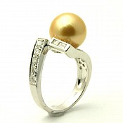 Lola <br/> 18K Golden South Sea Pearl Ring