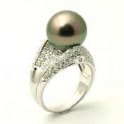 Annibel <br/> 18K Tahitian Black Pearl Ring