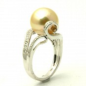 Trinity <br/> 18K Golden South Sea Pearl Ring