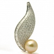 18K Golden South Sea Pearl Diamond Pendant - 1658
